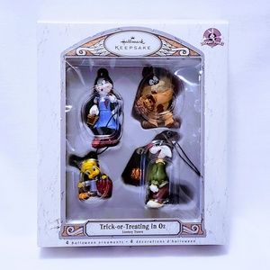 Hallmark Holiday - 🎃Trick or Treating in Oz, Looney Tunes ornaments